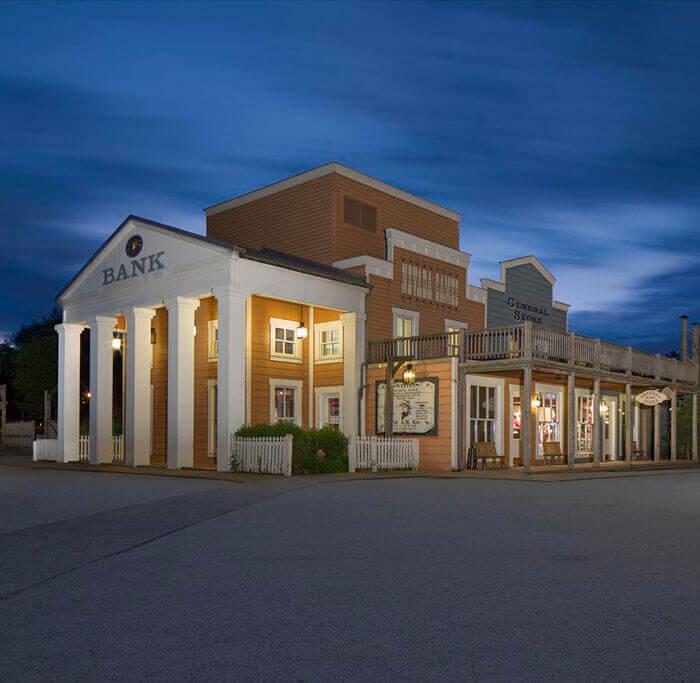 Disney's Hotel Cheyenne Exterior